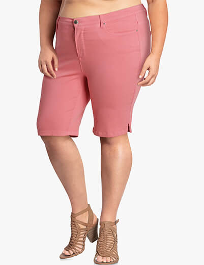 Plus size coral bermuda shorts | Dia&Co