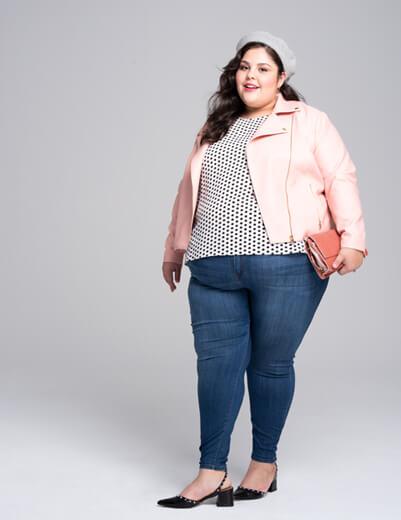 Plus size model wearing size 3x skinny jeans | Dia&Co