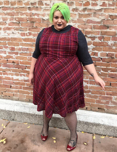 cailey berg, plus size influencer, edgy plaid outfit