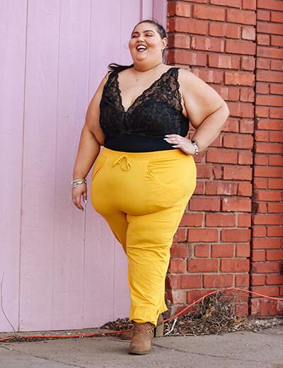 victoria donelda plus size yellow skinny jeans black lacy top