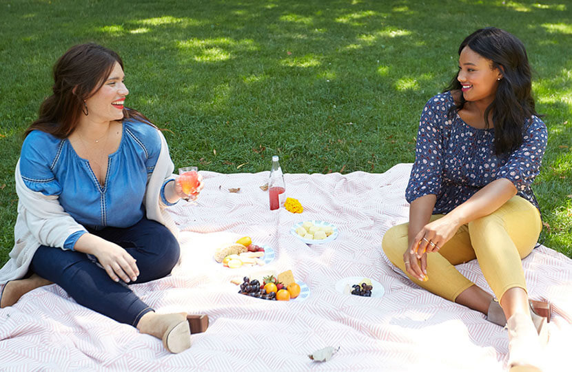 Plus size skinny jeans are perfect for a picnic | Dia&Co